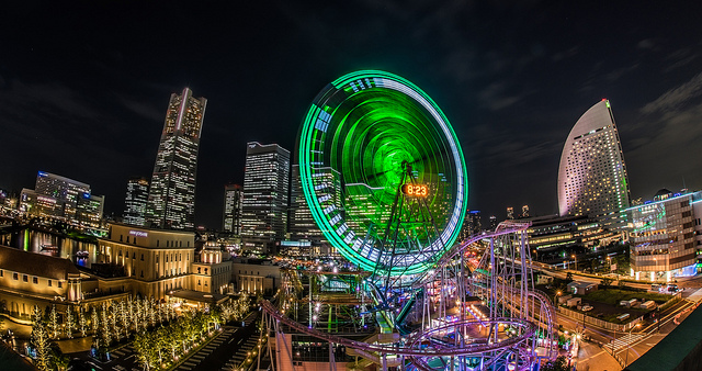 Panoramic night view of Minatomirai, Yokohama - aotaro