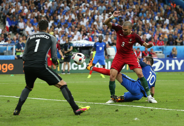 Pepe of Portugal defends against Andre Pierre Gignac of France during the UEFA Euro 2016 Final at Stade de France, Paris Picture by Paul Chesterton/Focus Images Ltd +44 7904 640267 10/07/2016