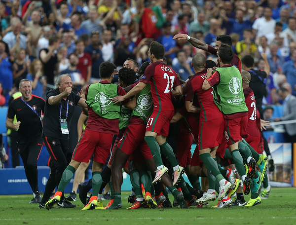 The players of Portugal celebrate the goal of Eder during the UEFA Euro 2016 Final at Stade de France, Paris Picture by Paul Chesterton/Focus Images Ltd +44 7904 640267 10/07/2016