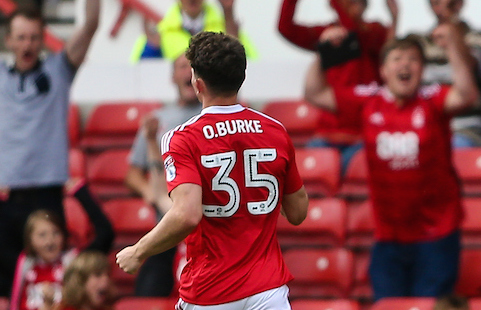 Dusan Kuciak of Hull City (right) protests after Oliver Burke of Nottingham Forest (centre) scores during the pre-season match at the City Ground, Nottingham Picture by Andy Kearns/Focus Images Ltd 0781 864 4264 30/07/2016