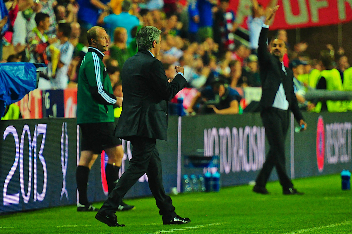 Picture by Ian Wadkins/Focus Images Ltd +44 7877 568959 30/08/2013 Chelsea manager José Mourinho celebrates after Eden Hazard puts Chelsea 2-1 ahead during the European Super Cup match at Eden Arena, Prague.