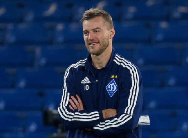 Andriy Yarmolenko of Dynamo Kyiv before the UEFA Champions League match at Stamford Bridge, London Picture by Alan Stanford/Focus Images Ltd +44 7915 056117 04/11/2015