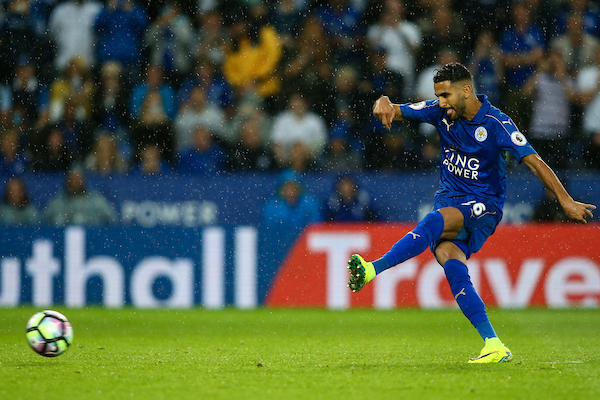 Riyad Mahrez of Leicester City misses a penalty attempt during the Premier League match at the King Power Stadium, Leicester Picture by Andy Kearns/Focus Images Ltd 0781 864 4264 27/08/2016