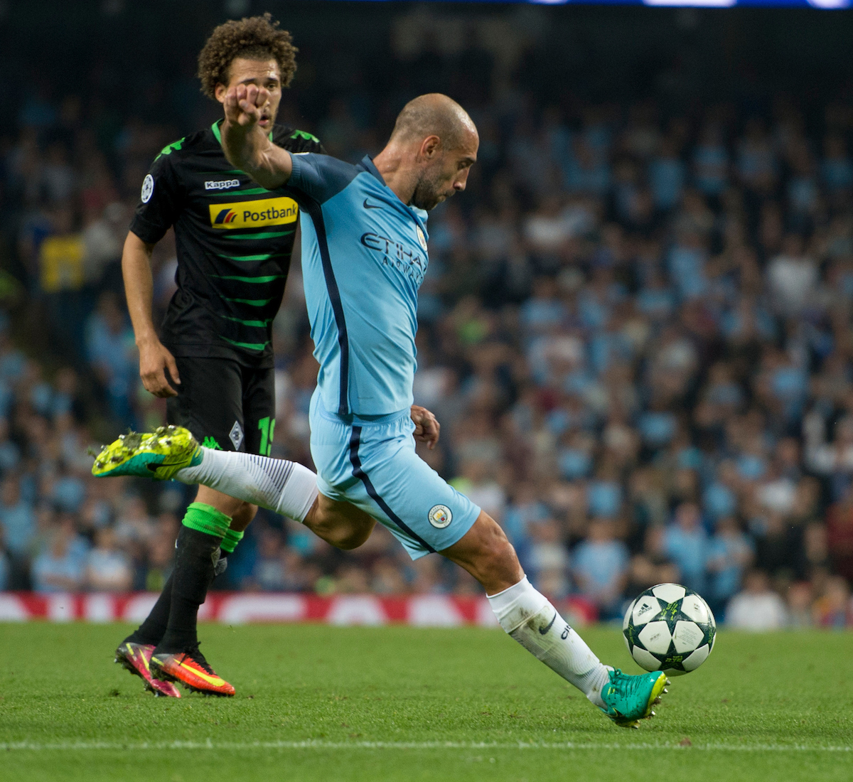 Pablo Zabaleta of Manchester City looks to shoot at goal during the UEFA Champions League match at the Etihad Stadium, Manchester Picture by Russell Hart/Focus Images Ltd 07791 688 420 14/09/2016