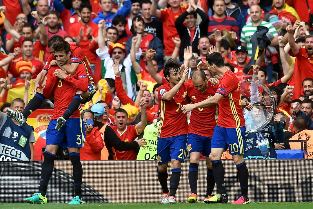 Gerard Piqué of Spain (2nd left) celebrates with team mates after scoring their first goal to make it Spain 1 Czech Republic 0 during the UEFA Euro 2016 match at Stadium de Toulouse, Toulouse Picture by Kristian Kane/Focus Images Ltd 07814482222 13/06/2016