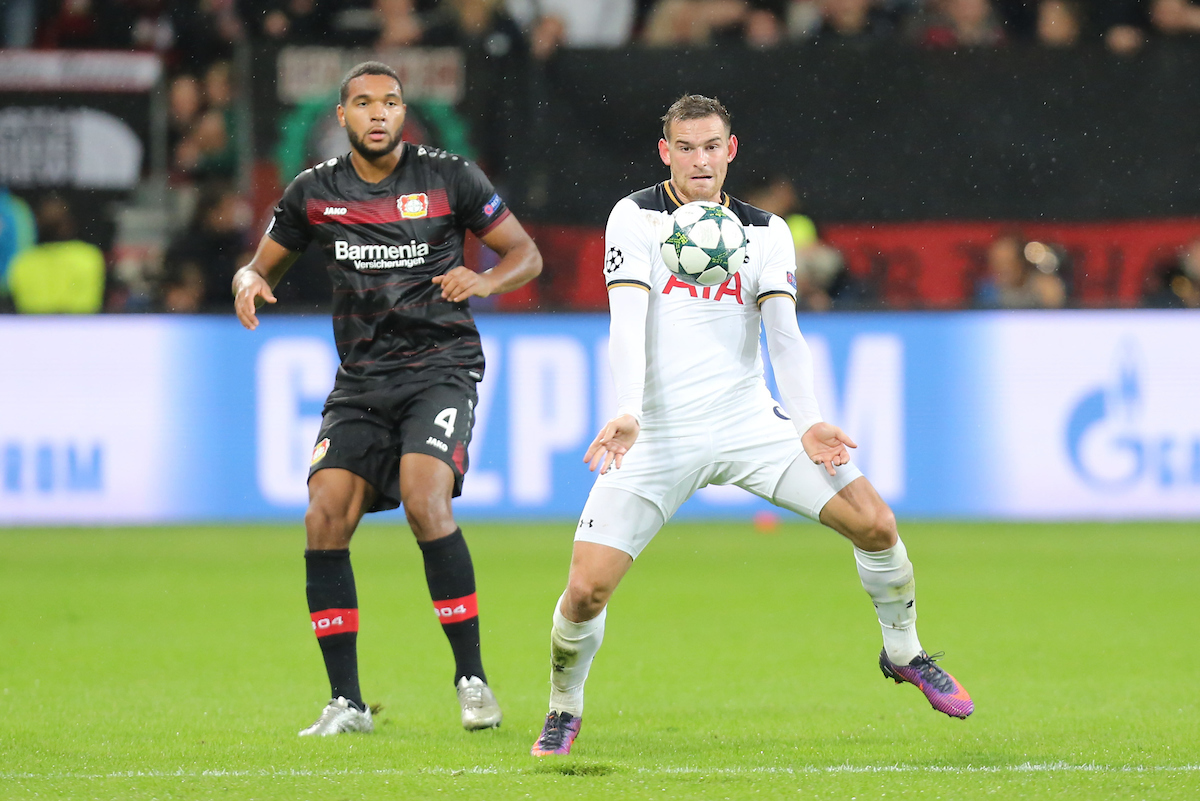 Jonathan Tah alternó luces y sombras. Foto: Focus Images Ltd.
