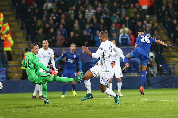 Riyad Mahrez of Leicester City (right) scoring during the UEFA Champions League match at the King Power Stadium, Leicester Picture by Andy Kearns/Focus Images Ltd 0781 864 4264 18/10/2016