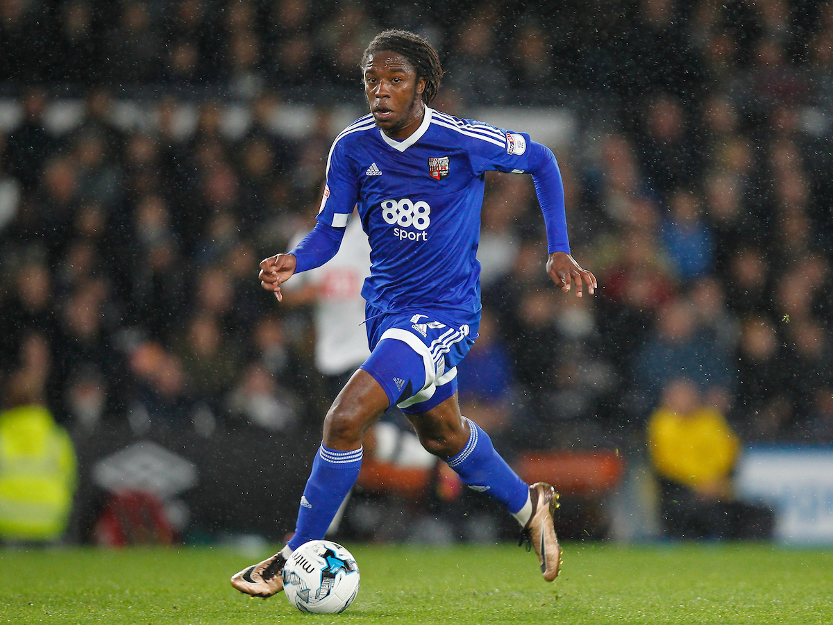 Romaine Sawyers of Brentford during the Sky Bet Championship match between Derby County and Brentford at the iPro Stadium, Derby Picture by Mark D Fuller/Focus Images Ltd +44 7774 216216 18/10/2016