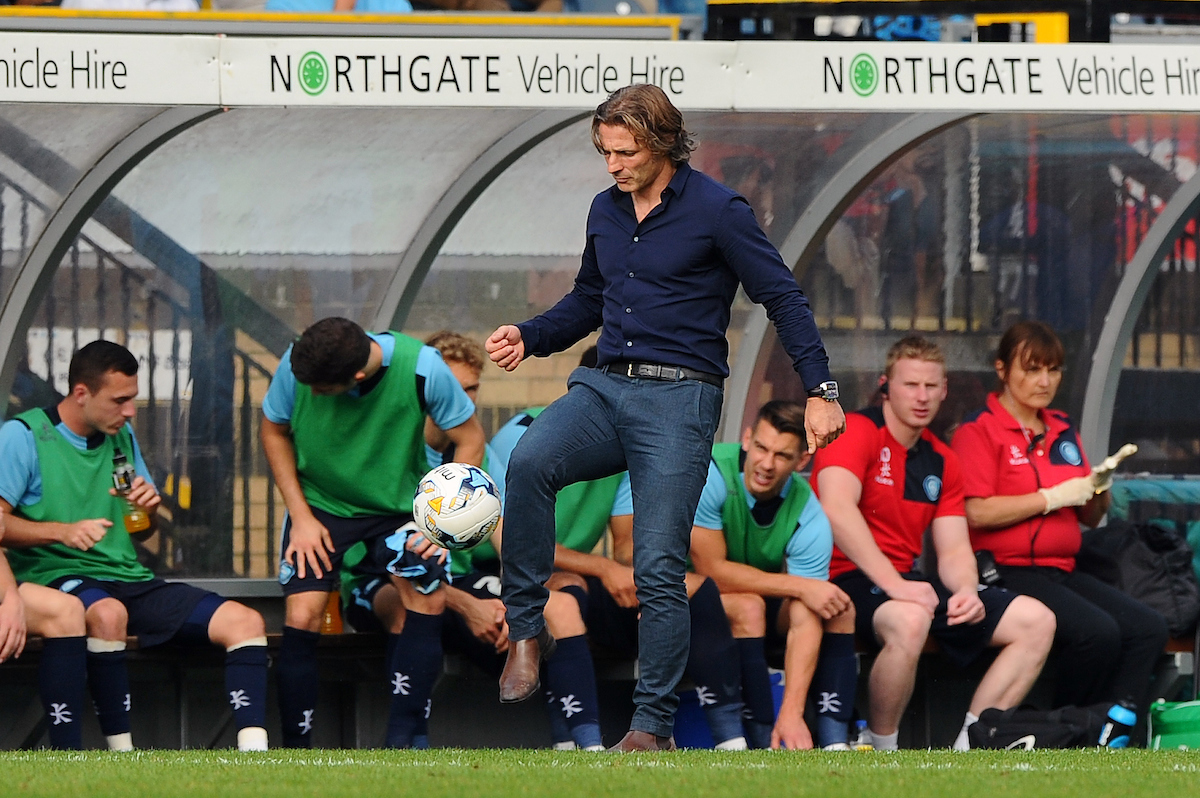 Gareth Ainsworth sigue teniendo toque. Foto: Seb Daly/Focus Images Ltd.