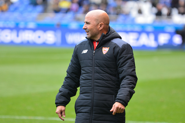 Jorge Sampaoli of Sevilla during the La Liga match at Estadio Riazor, A Coruna Picture by Oscar Cajide Paz/Focus Images Ltd +34 662 29 56 0 19/11/2016