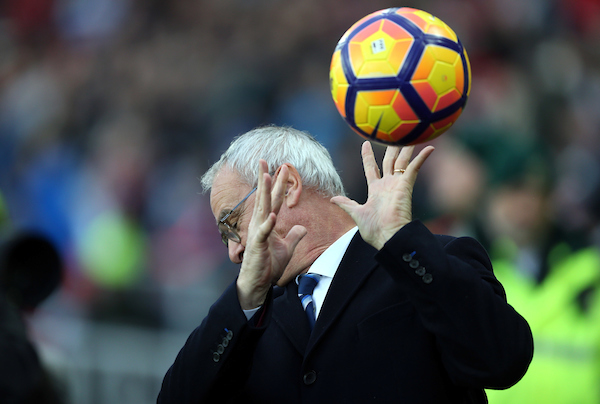 Leicester City manager Claudio Ranieri gets hit by a ball prior to the Premier League match at the Stadium Of Light, Sunderland Picture by Christopher Booth/Focus Images Ltd 07711958291 03/12/2016
