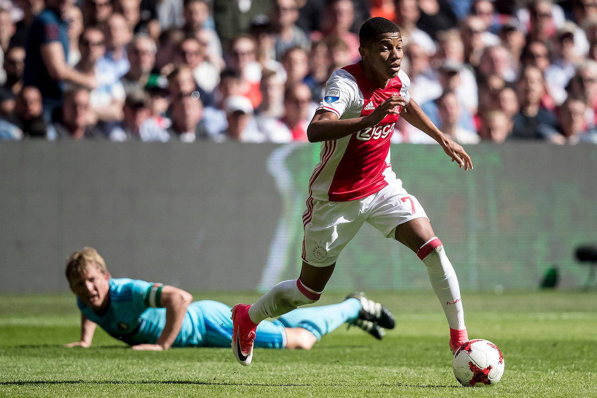 David Neres of Ajax (R), Dirk Kuyt of Feyenoord (L) during the Dutch Eredivisie match at Amsterdam Arena, Amsterdam Picture by Joep Joseph Leenen/Focus Images Ltd +316 5261929 02/04/2017 ***NETHERLANDS OUT***