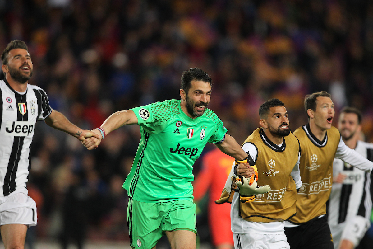 The players of Juventus celebrate during the UEFA Champions League match at Camp Nou, Barcelona Picture by Stefano Gnech/Focus Images Ltd +39 333 1641678 19/04/2017
