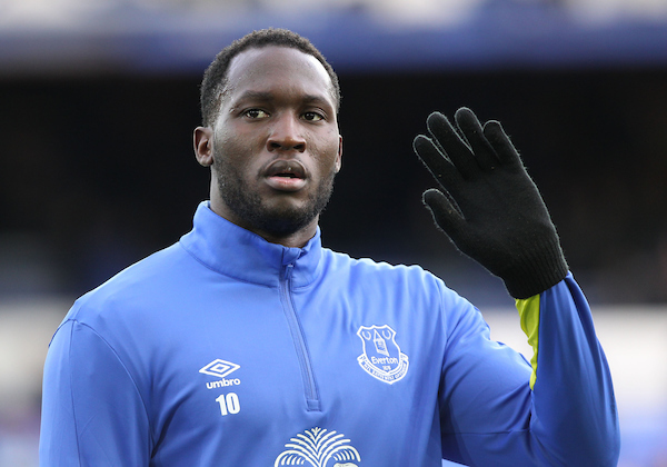 Romelu Lukaku of Everton waves to the crowd prior to the Premier League match against Swansea City at Goodison Park, Liverpool. Picture by Michael Sedgwick/Focus Images Ltd +44 7900 363072 19/11/2016