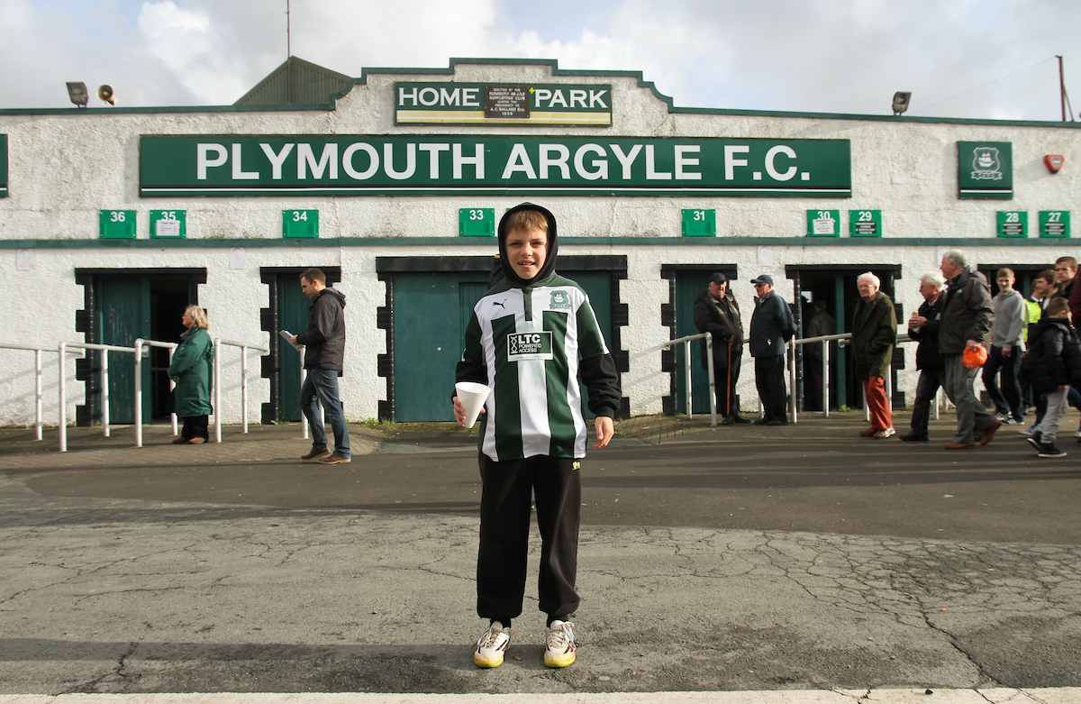 El Plymouth Argyle juega sus partidos como local en Home Park. Foto: Tom Smith/Focus Images Ltd.