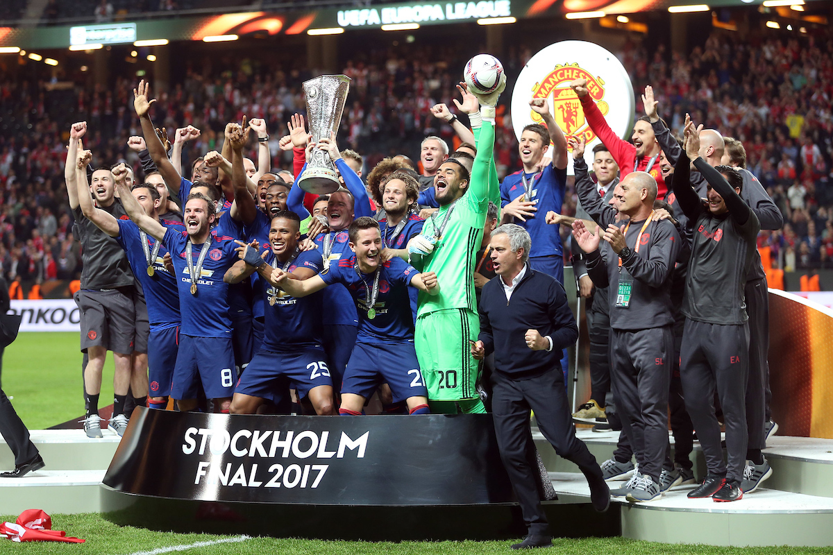 Wayne Rooney of Manchester United and the Manchester United players lift the trophy at the end of the UEFA Europa League match at Friends Arena, Stockholm Picture by Paul Chesterton/Focus Images Ltd +44 7904 640267 24/05/2017