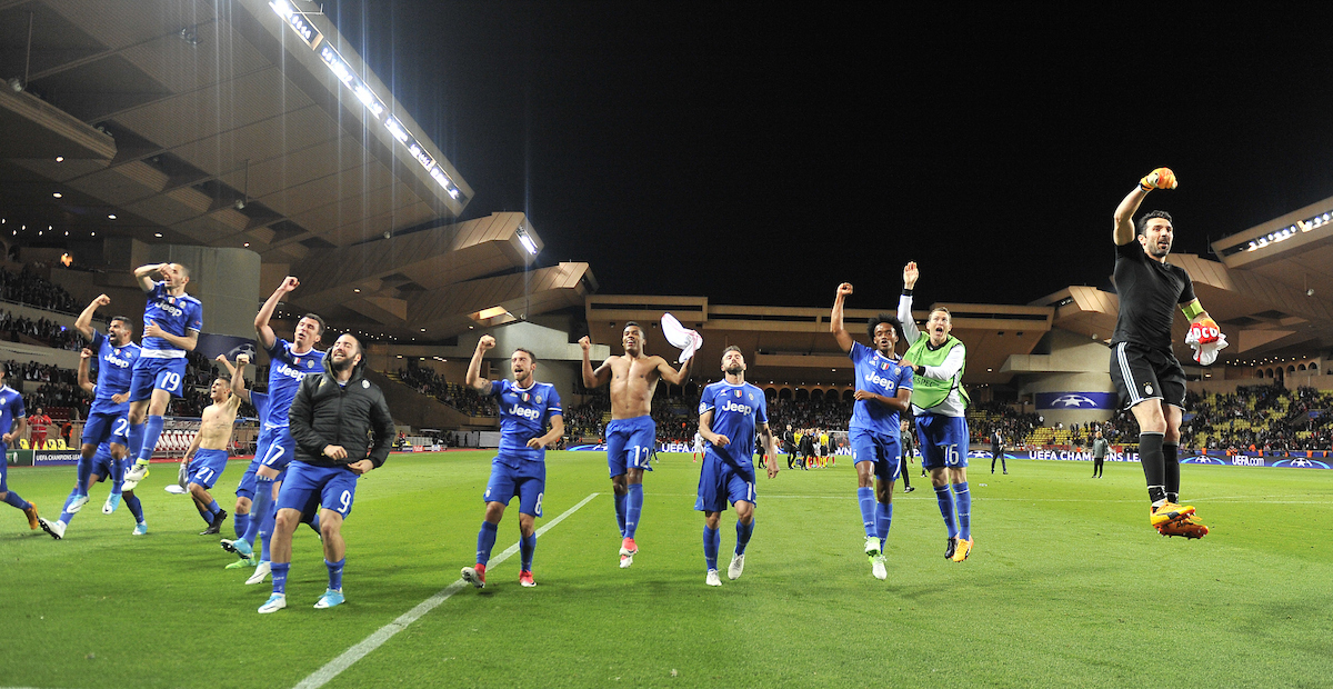 The players of Juventus celebrate with their fans at full time during the UEFA Champions League match at Stade Louis II, Monaco Picture by Stefano Gnech/Focus Images Ltd +39 333 1641678 03/05/2017