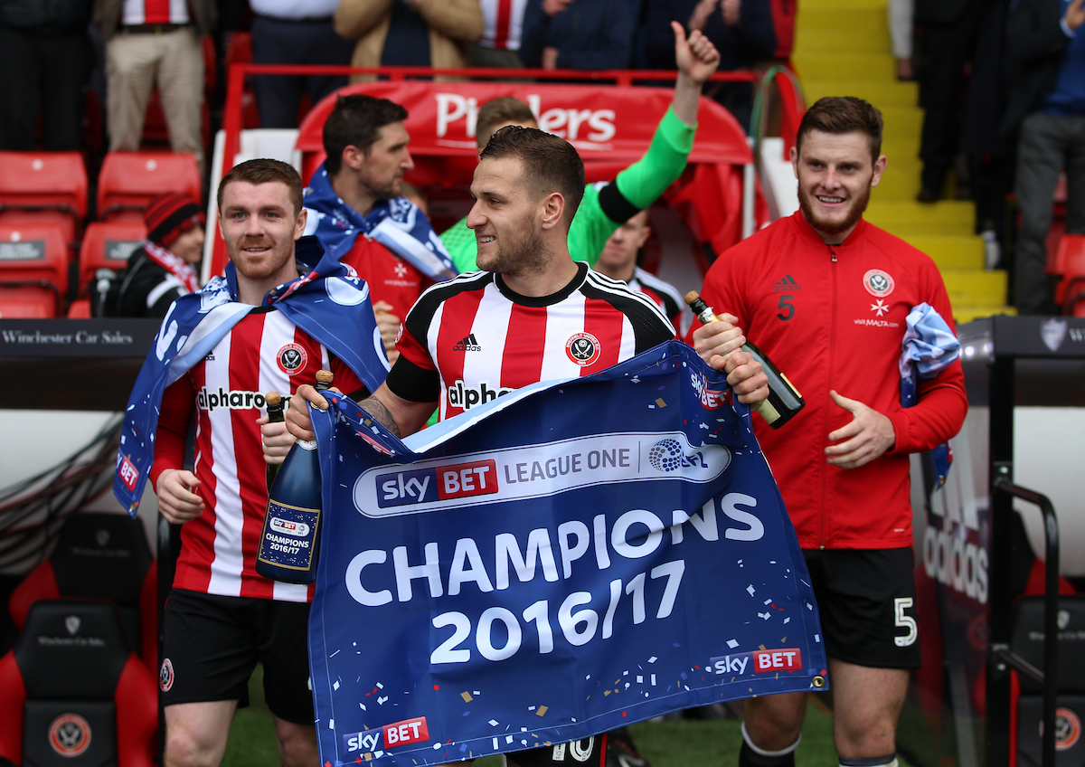 Liderado por su capitán Billy Sharp, que fue el máximo anotador de la competición con 30 goles, el Sheffield United ganó el título de League One. Foto: James Wilson/Focus Images Ltd.