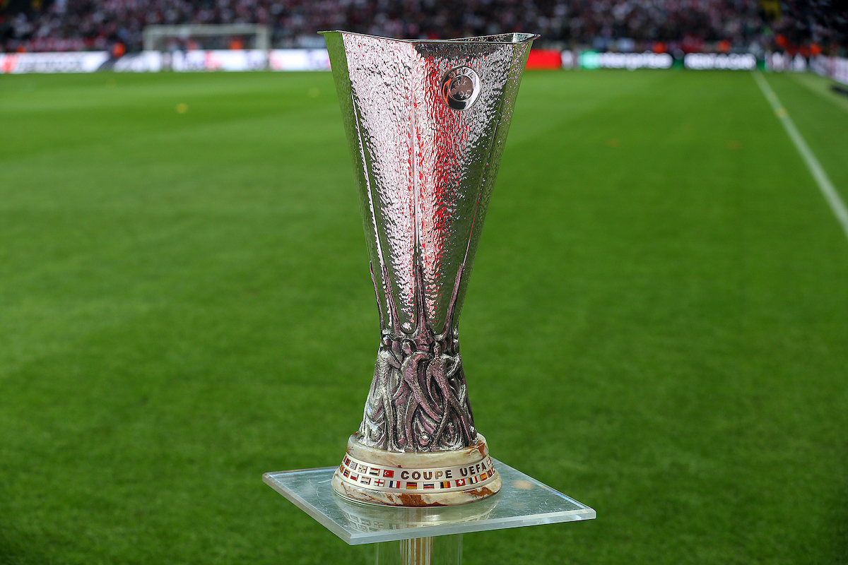 Europa League trofeo copa Focus