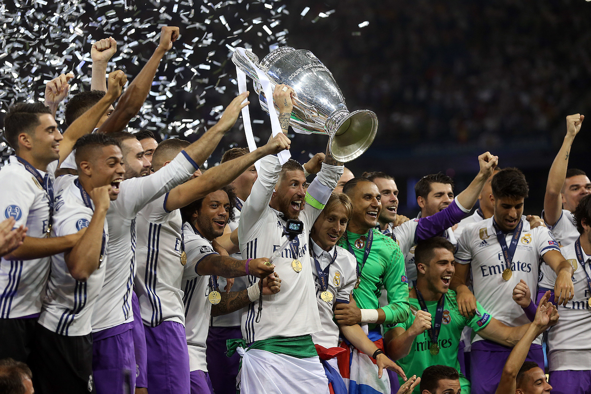 The Real Madrid players lift the trophy at the end of the UEFA Champions League Final at the Principality Stadium, Cardiff Picture by Paul Chesterton/Focus Images Ltd +44 7904 640267 03/06/2017