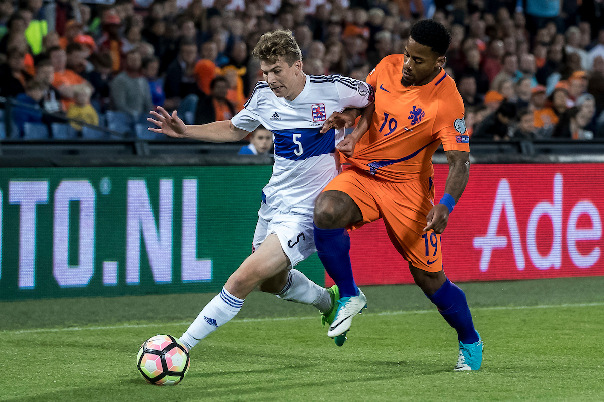 Jeremain Lens of Netherlands and Florian Bohnert of Luxembourg during the 2018 FIFA World Cup Qualifying match at De Kuip, Rotterdam Picture by Joep Joseph Leenen/Focus Images Ltd +316 5261929 09/06/2017 ***NETHERLANDS OUT***