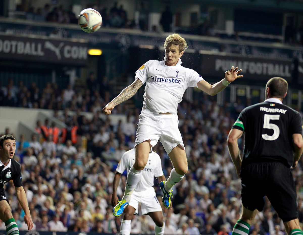 Picture by James Ward/Focus Images Ltd.  07908 205049.29/9/11.Roman Pavlyuchenko of Tottenham heads the equaliser during the Uefa Europa League Group A match at White Hart Lane stadium, London.