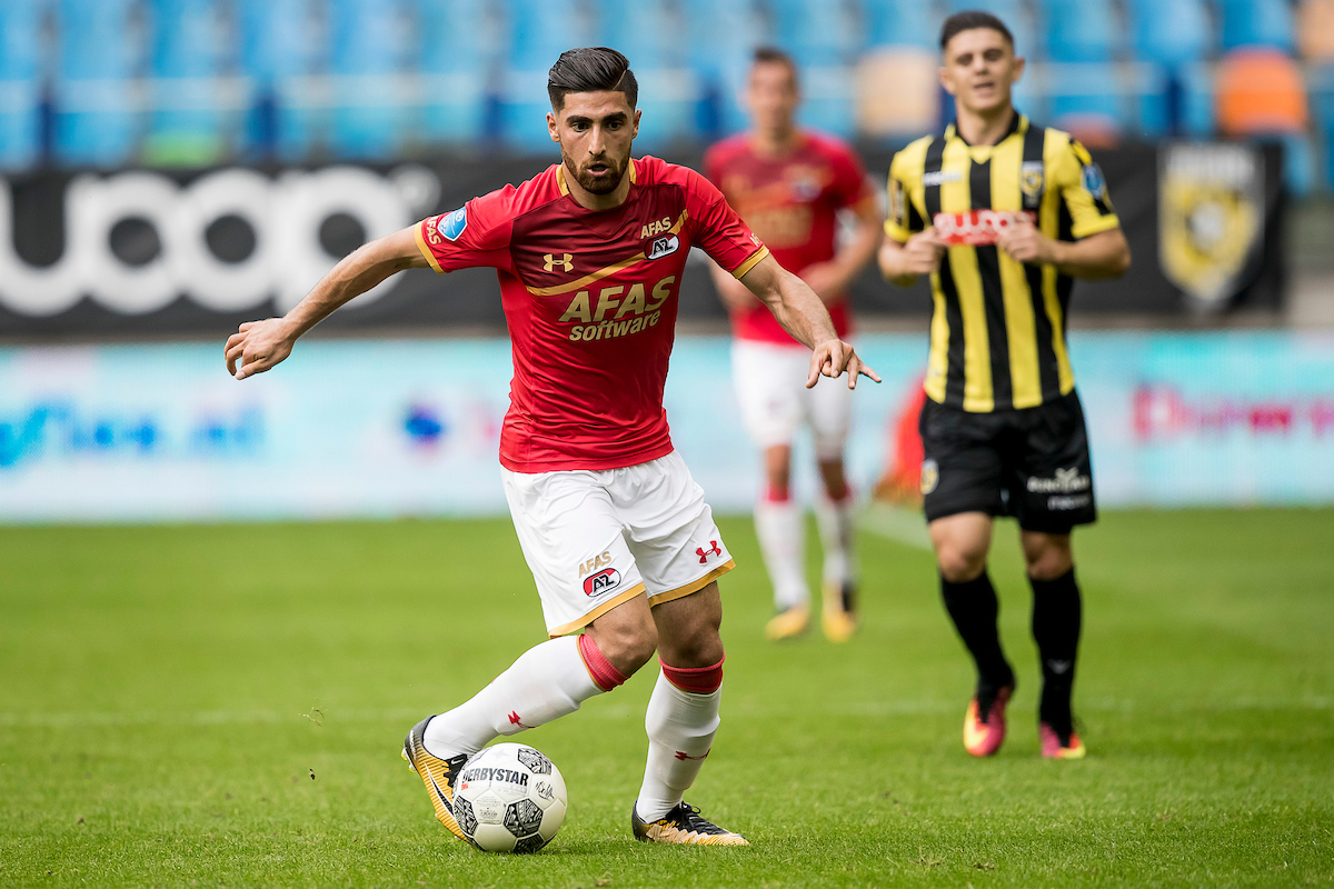Alireza Jahanbakhsh of AZ Alkmaar (L), Milot Rashica of Vitesse (R) during the Dutch Eredivisie match at GelreDome, Arnhem Picture by Joep Joseph Leenen/Focus Images Ltd +316 5261929 26/08/2017 ***NETHERLANDS OUT***