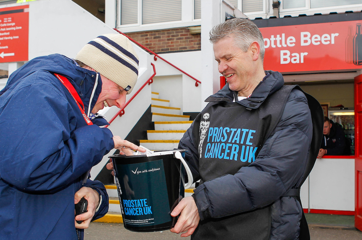 En el Non-League Day se recaudan fondos para organizaciones como Prostate Cancer UK. Foto: Mark D Fuller/Focus Images Ltd.