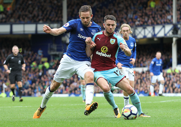 Gylfi Sigurdsson of Everton and Robbie Brady of Burnley in action during the Premier League match at Goodison Park, Liverpool. Picture by Michael Sedgwick/Focus Images Ltd +44 7900 363072 01/10/2017