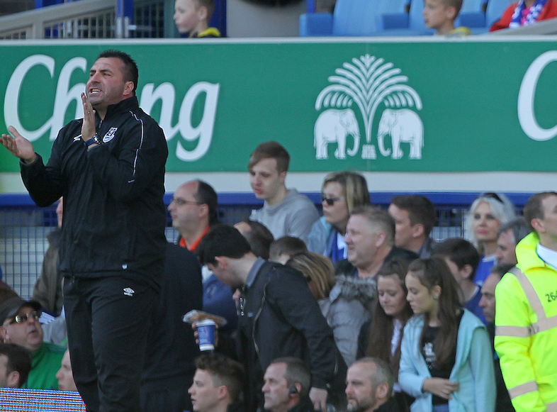 Esta es la segunda vez que David Unsworth ejerce de entrenador interino del Everton. Foto: Paul Chesterton/Focus Images Ltd.