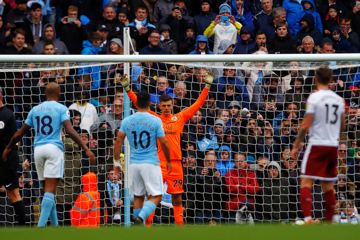 Sergio Agüero of Manchester City takes a penalty kick at the Premier League match and scores his teams first goal at the Etihad Stadium, Manchester Picture by Paul Keevil/Focus Images Ltd 07825151989 21/10/2017