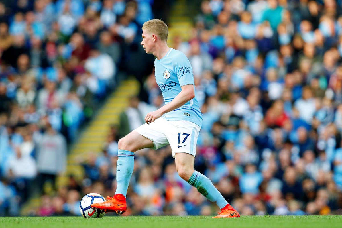 Kevin De Bruyne of Manchester City controls the ball during the Premier League match at the Etihad Stadium, Manchester  Picture by Paul Keevil/Focus Images Ltd 07825151989  14/10/2017