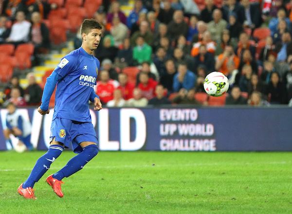 Luciano Vietto of Villarreal CF misses a penalty during the friendly match at Suncorp Stadium, Brisbane Picture by Steven Gibson/Focus Images Ltd +61 413 768835 03/06/2015