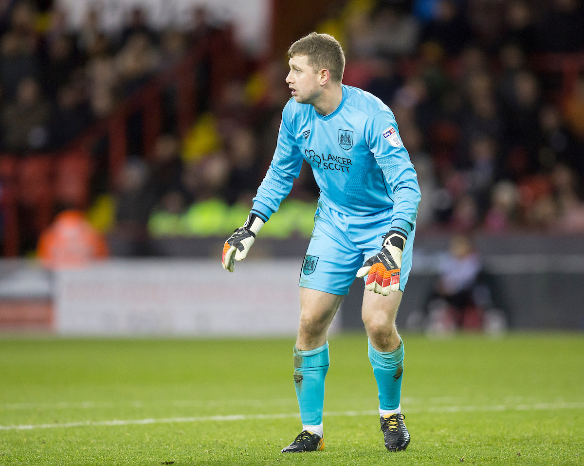 Frank Fielding of Bristol City prepares for a shot during the Sky Bet Championship match at Bramall Lane, Sheffield Picture by James Wilson/Focus Images Ltd 07522 978714?? 08/12/2017