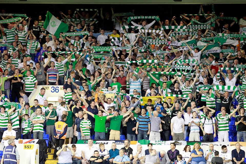 Picture by James Ward/Focus Images Ltd. 07908 205049.29/9/11.Shamrock Rovers fans before the Uefa Europa League Group A match at White Hart Lane stadium, London.