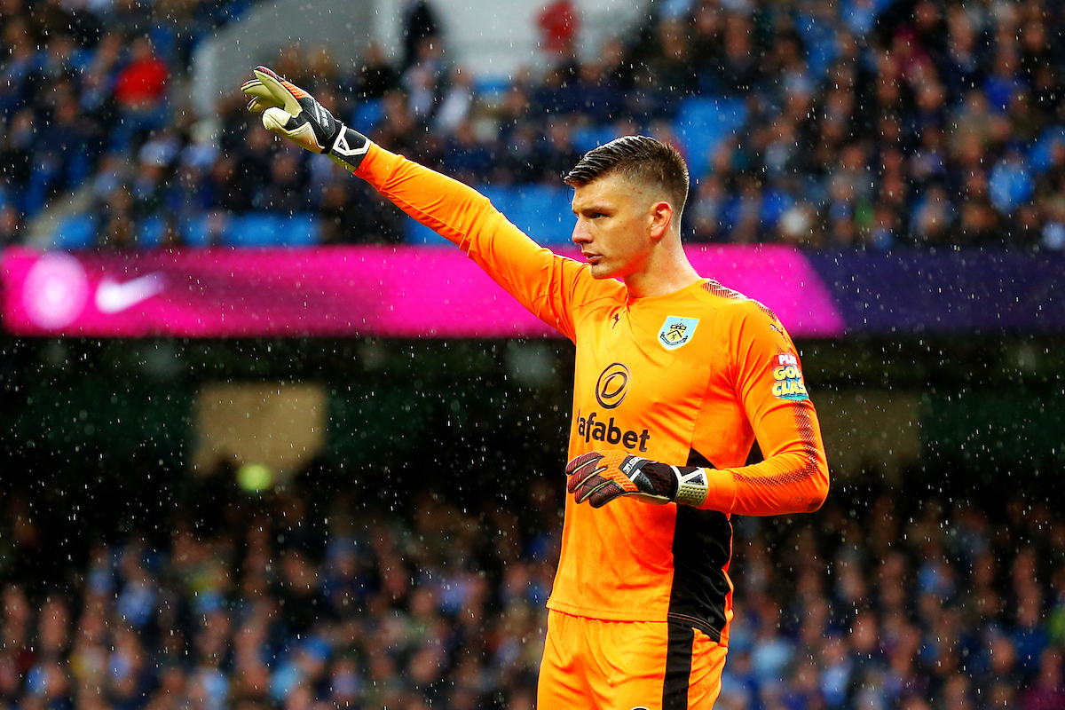 Nick Pope of Burnley points at the Premier League match at the Etihad Stadium, Manchester Picture by Paul Keevil/Focus Images Ltd 07825151989 21/10/2017