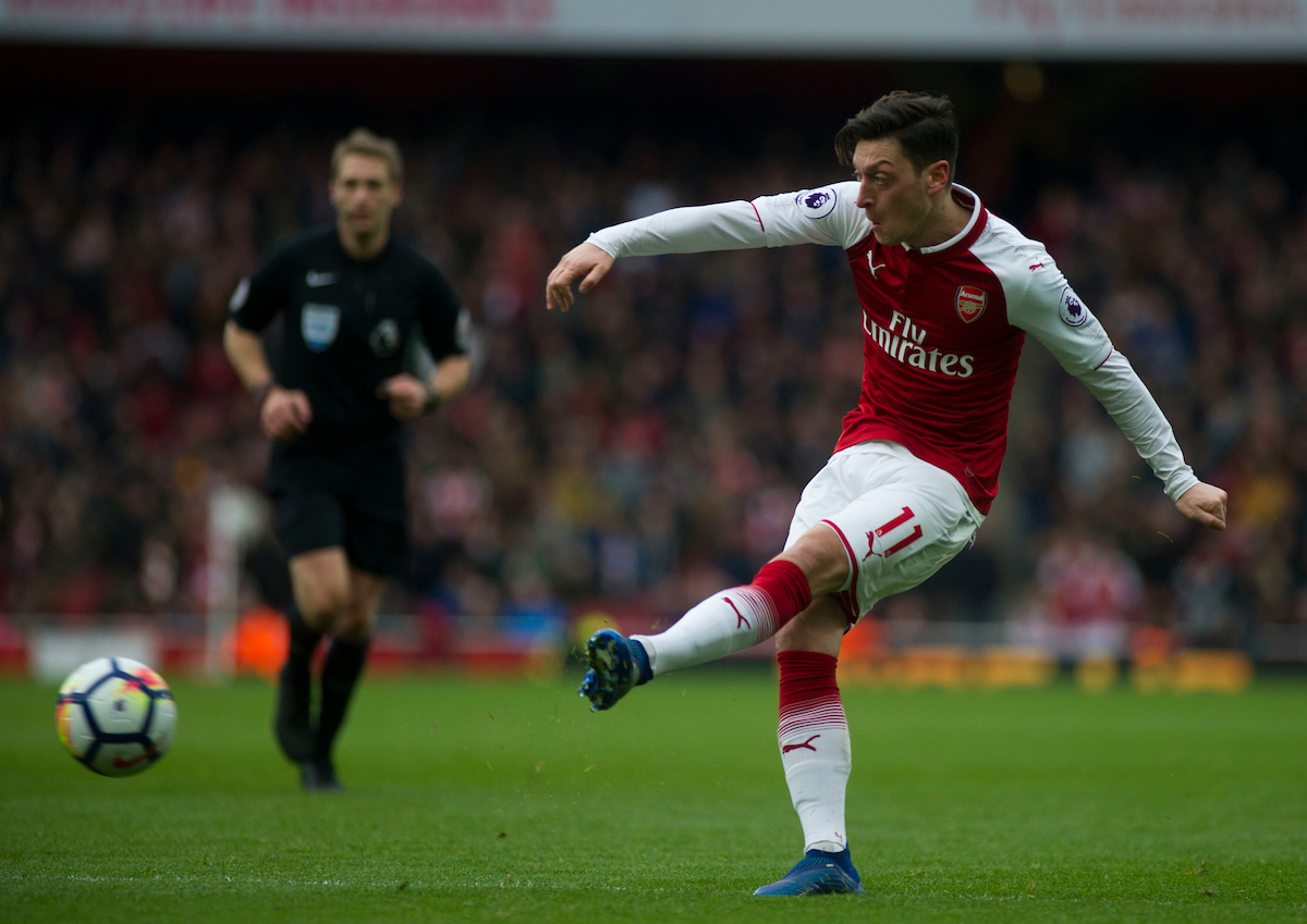 Mesut Ozil of Arsenal has a shot on goal during the Premier League match at the Emirates Stadium, London Picture by Daniel Murphy/Focus Images Ltd 07415921094 01/04/2018