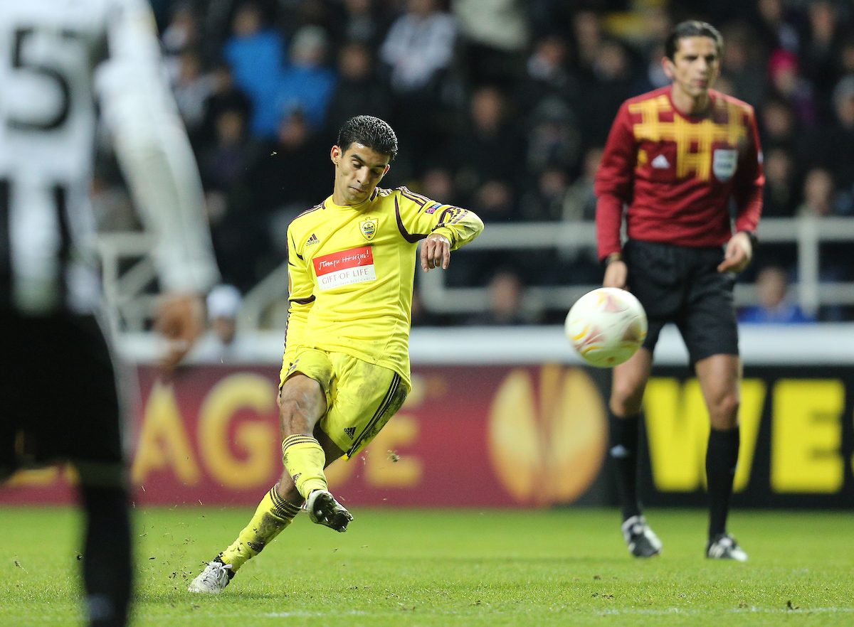 Picture by Paul Gaythorpe/Focus Images Ltd +447771 871632.14/03/2013.Mbark Boussoufa of Anzhi Makhachkala takes a free-kick during the UEFA Europa League match at St. James's Park, Newcastle.