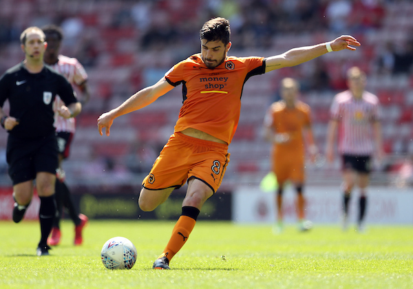 Ruben Neves of Wolverhampton Wanderers shooting during the Sky Bet Championship match at the Stadium Of Light, Sunderland Picture by Simon Moore/Focus Images Ltd 07807 671782 06/05/2018