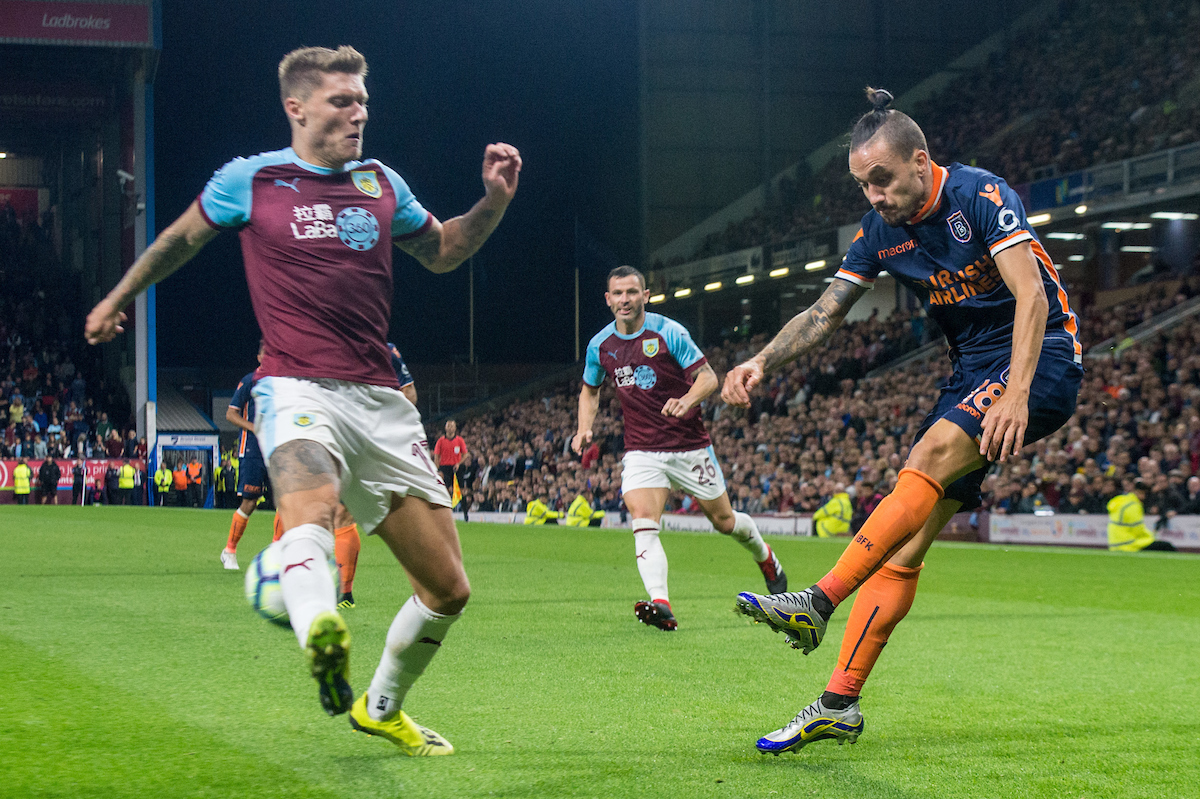 Stefano Napoleoni of Istanbul Basaksehir looks to get a cross in past Jeff Hendrick of Burnley during the UEFA Europa League match at Turf Moor, Burnley Picture by Matt Wilkinson/Focus Images Ltd 07814 960751 16/08/2018