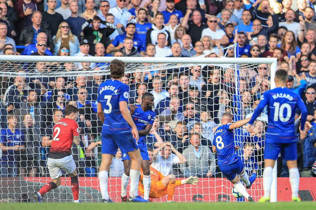 Ross Barkley of Chelsea scores a goal to make it 2-2  against Manchester United for the Premier League match at Stamford Bridge, London Picture by Romena Fogliati/Focus Images Ltd 07576143919 20/10/2018