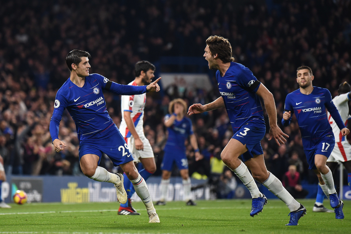 Álvaro Morata of Chelsea makes it 2:1 during the Premier League match at Stamford Bridge, London Picture by Martyn Haworth/Focus Images Ltd 07463250714 04/11/2018