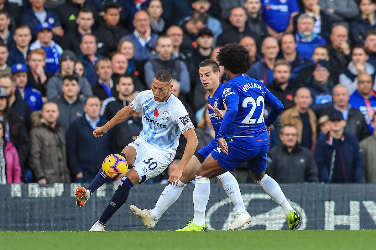 Richarlison of Everton and Willian of Chelsea during the Premier League match at Stamford Bridge, London Picture by Romena Fogliati/Focus Images Ltd 07576143919 11/11/2018