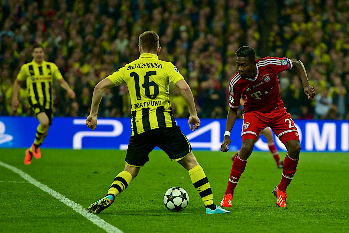 Picture by Ian Wadkins/Focus Images Ltd +44 7877 568959.25/05/2013.Jakub B?aszczykowski of Borrusia Dortmund and David Alaba of Bayern Munich during the UEFA Champions League match at Wembley Stadium, London.