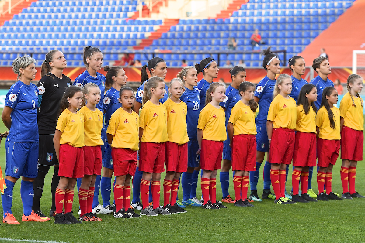 Italy squad line up pictured ahead of the UEFA Women's Euros 2017 match at Koning Willem II Stadion, Tilburg Picture by Kristian Kane/Focus Images Ltd +44 7814 482222 21/07/2017