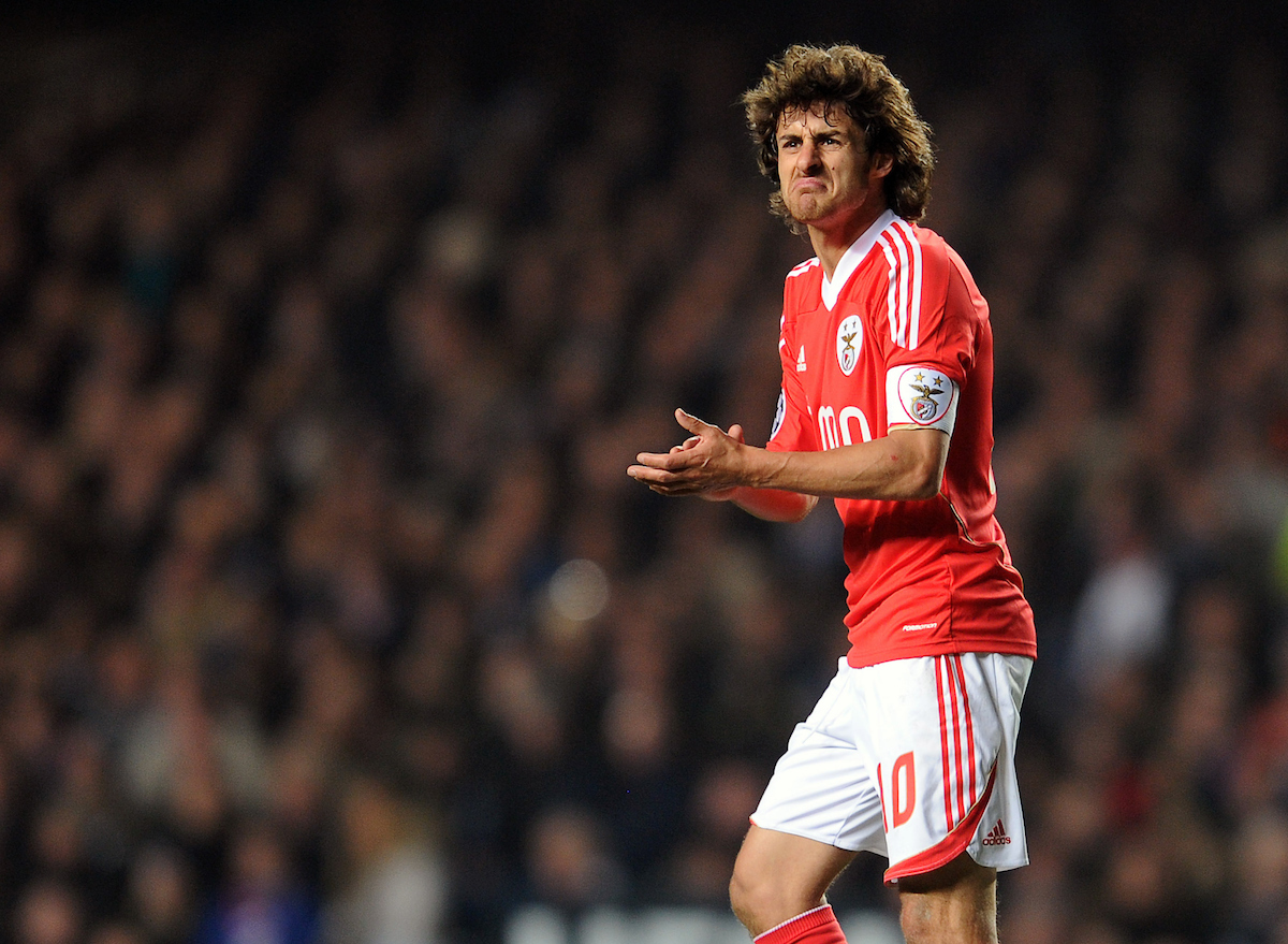Picture by Andrew Timms/Focus Images Ltd. 07917 236526.04/04/12.Pablo Aimar of Benfica during the during the UEFA Champions League quarter-final second leg match against Chelsea at Stamford Bridge Stadium, London..