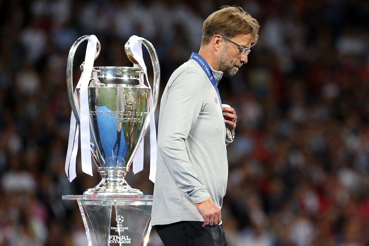 Liverpool Manager Jurgen Klopp looks dejected as he passes the trophy at the end of the UEFA Champions League Final at the Olympic Stadium, Kiev Picture by Paul Chesterton/Focus Images Ltd +44 7904 640267 26/05/2018