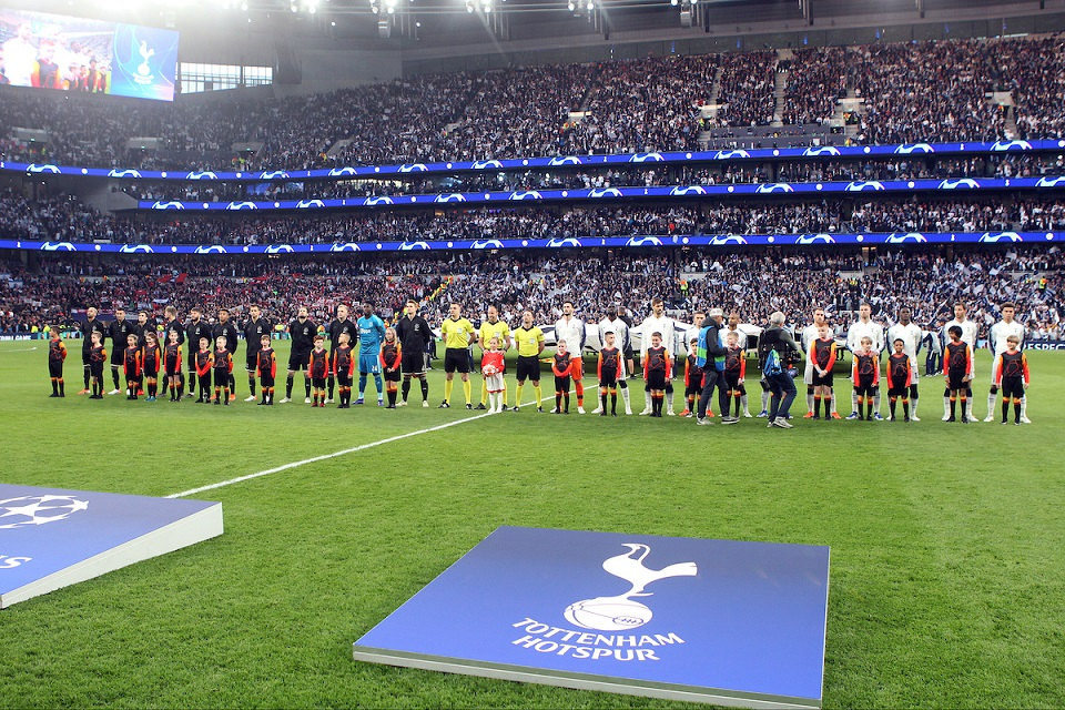 The players line up before the UEFA Champions League Semi-final match at Tottenham Hotspur Stadium, London Picture by Paul Chesterton/Focus Images Ltd +44 7904 640267 30/04/2019