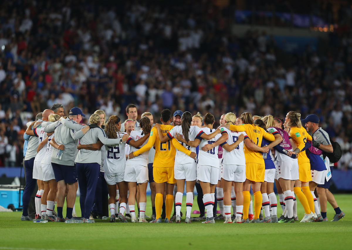 The team USA Women huddle after the 2019 FIFA Women's World Cup match at Parc des Princes, Paris Picture by Kunjan Malde/Focus Images Ltd +447523653989 28/06/2019