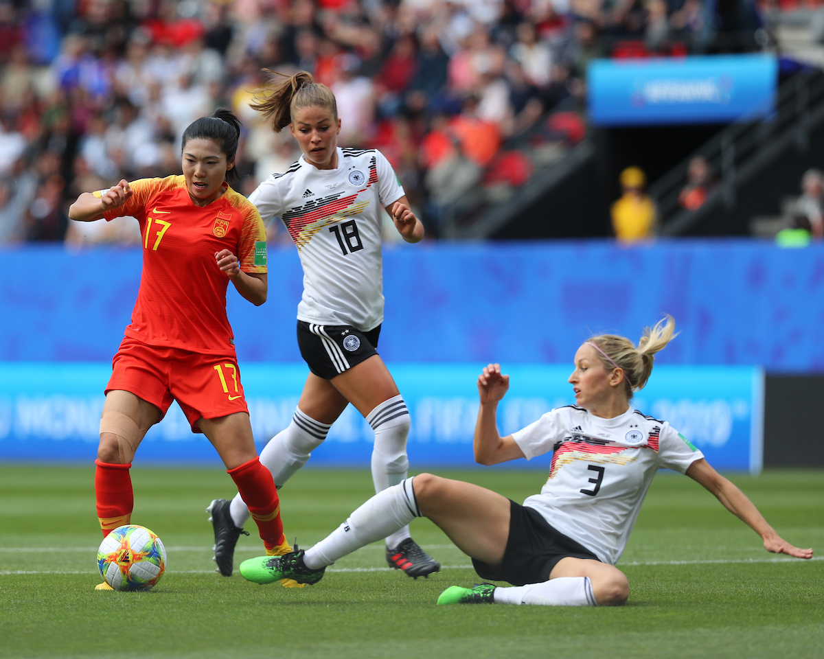 Kathrin Hendrich and Melanie Leupolz of Germany Women battle with Gu Yasha of China Women during the FIFA Women's World Cup 2019 match at Roazhon Park, Rennes Picture by Kunjan Malde/Focus Images Ltd +447523653989 08/06/2019